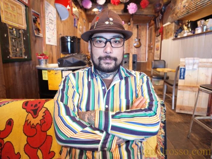【横須賀】ライブハウスバー「モアイ&カピー」はドブ板の秘密基地【ネイビーバーガー】